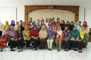 Foto bersama peserta diklat kepala laboratorium kelas B