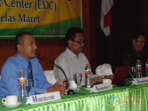 Ketua EDC menyampaikan arahan kepada peserta